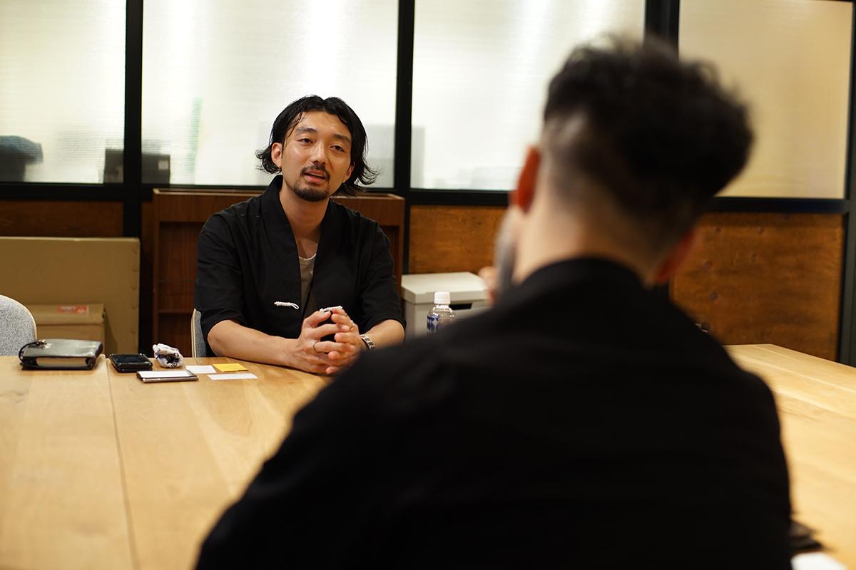 LOOKSTAND_CROSS TALK vol.4(JAPAN FASHION WEEKの今城さんに聞いた<br>グローバル視点でのLOOK BOOK)
